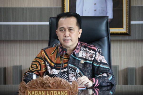 Kepala Litbang Kementerian Dalam Negeri, Agus Fatoni, saat menjadi pembicara kunci dalam webinar bertajuk Penataan Kelembagaan Kelitbangan, Kamis, 12 Agustus 2021.(foto.ist)