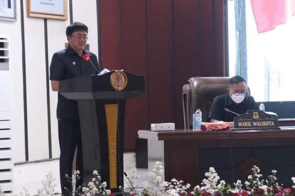 Walikota Andrei didampingi Wawali Richard saat memaparkan penganggaran perubahan APBD 2021