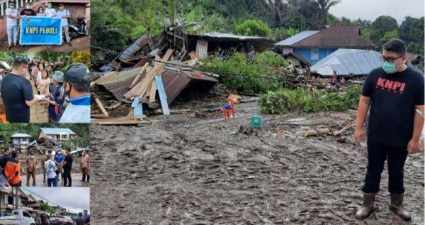 Rio Dondokambey saat turun langsung menyerahkan bantuan di Desa Pangu Kecamatan Ratahan Timur Kabupaten Minahasa Tenggara (Mitra) Selasa (21/9/21). (Foto.ist)