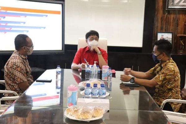 Walikota Andrei saat menerima kunjungan dari Pimpinan Indomaret Manado